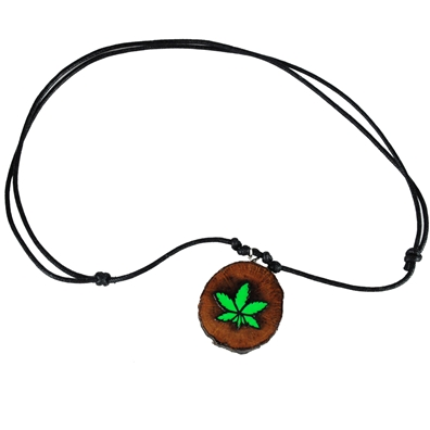 Round Wood Pot Leaf Leather Necklace